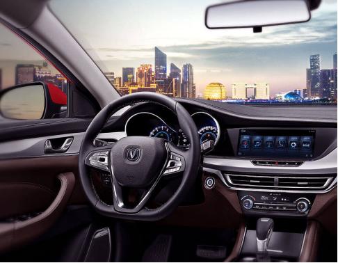 pab预警辅助制动系统,全系标配的电子车身稳定系统等多项高科技配置
