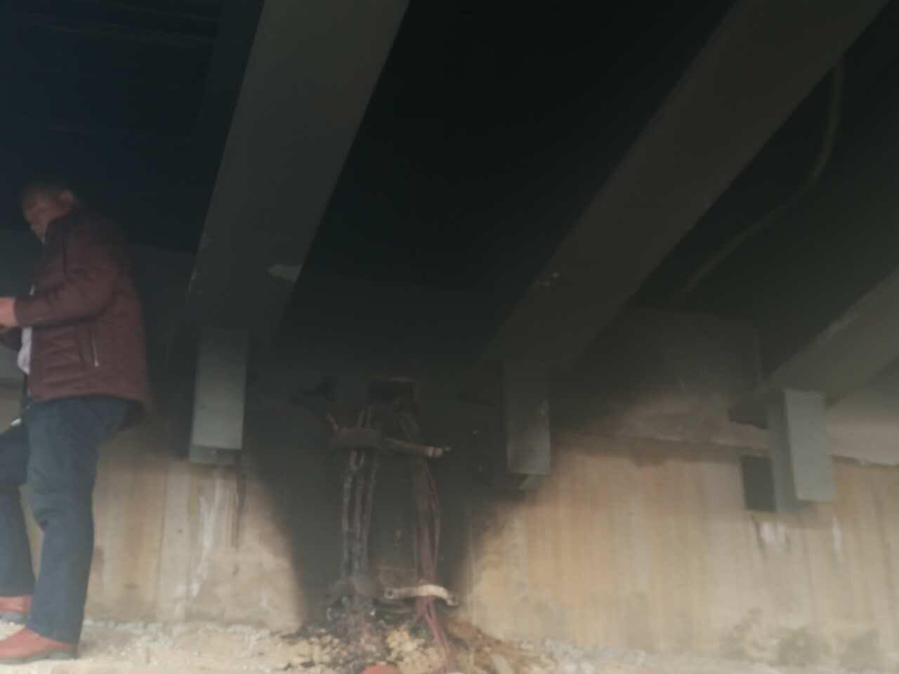 莒安大桥昨夜失火灯光全灭 为电路火灾