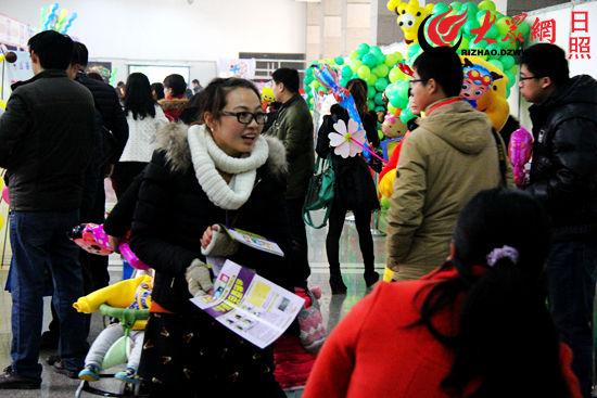 童博会第一天吸引众多市民
