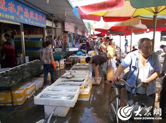 中秋节将至 日照海鲜市场火爆价格有所上涨