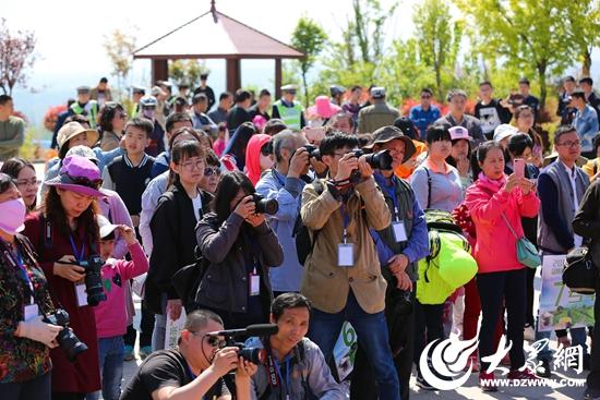 7  大众网17个地市地方频道记者及拍客团成员前来采风