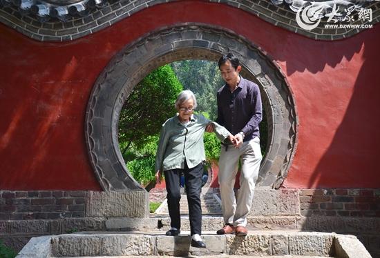 《中国孝道3》拍于2016年5月12日莒县浮来山摄影叶连俊13963032468.jpg