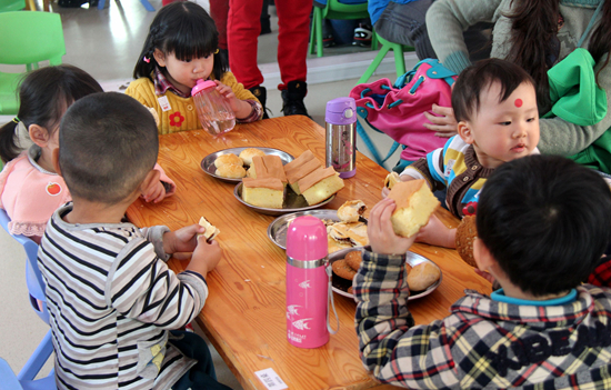 幼儿园为小朋友准备的自制点心.jpg